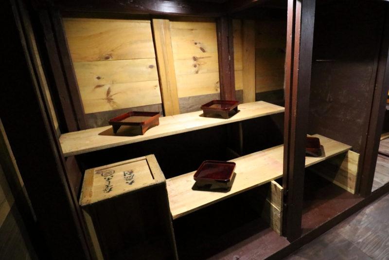 穀枡を再利用した作品展示コーナー